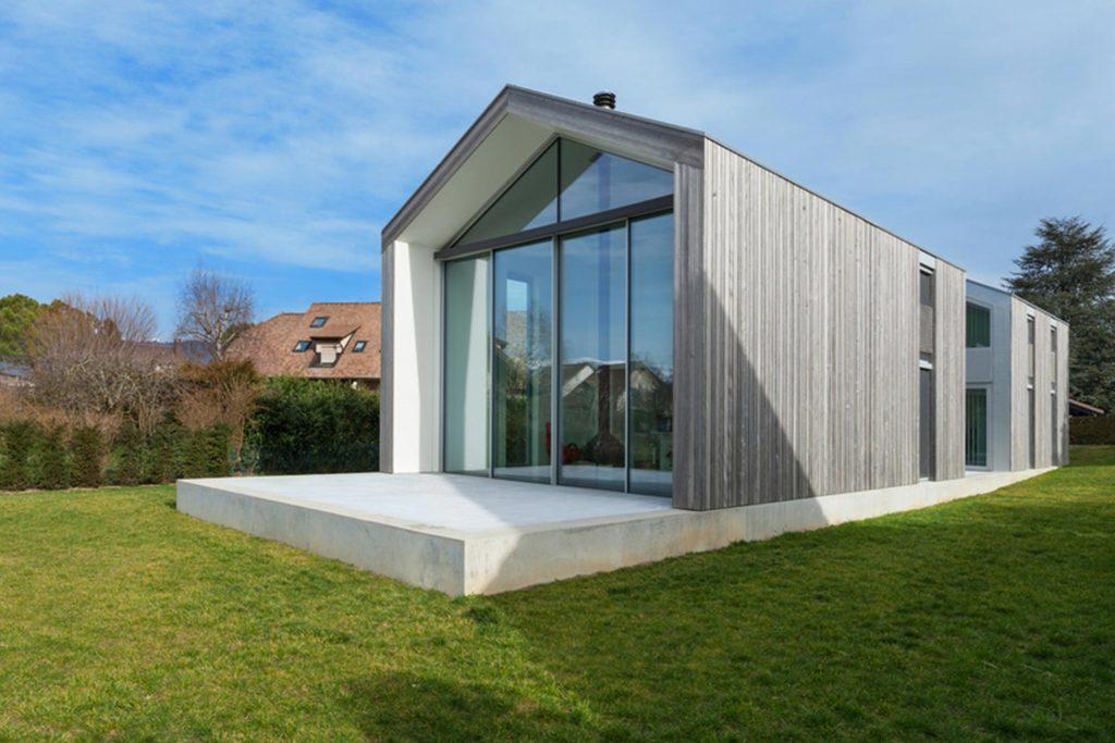 Haus aus Beton und Holz